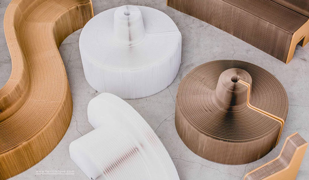 FlexibleLove chair forms multiple shapes and lengths