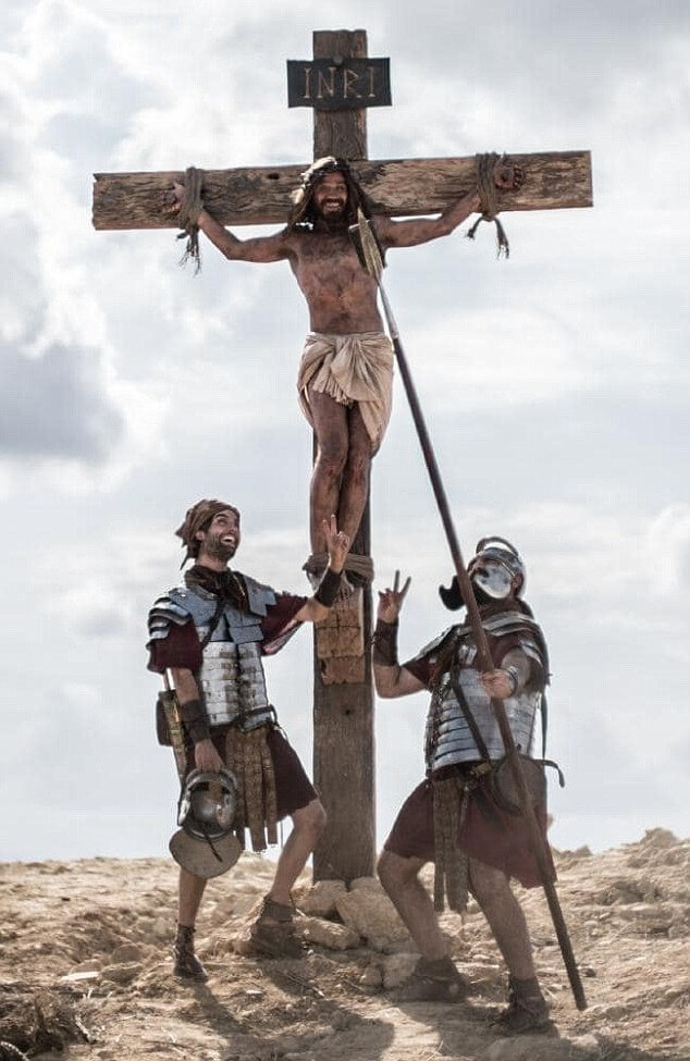Organ donation ad featuring Jesus at the crucifixion ...