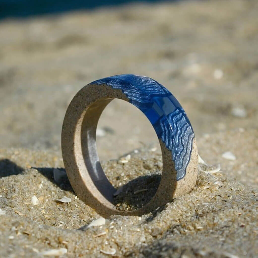 Sand and resin ring