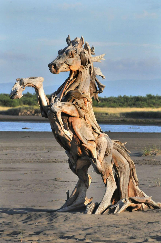 Jeffro Uitto driftwood horse