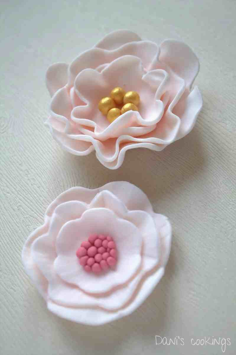 How to make easy fondant flowers - tutorial