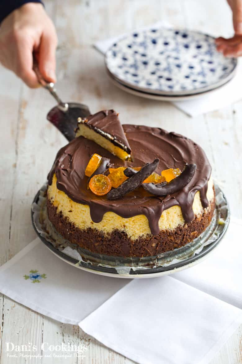 [:en]Orange Cheesecake with Chocolate Glaze[:bg]Портокалов чийзкейк с шоколадова глазура[:]