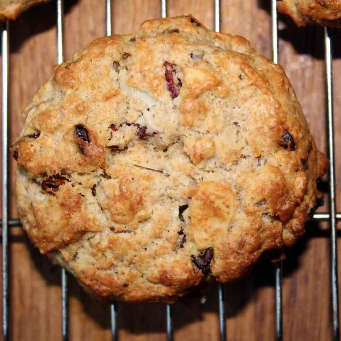 Grove scones med frugt og nødder - grahams scones - find opskrifter og inspiration på danishthings.com © Christel Danish Things