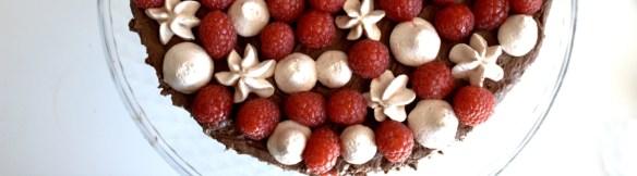 chokoladelagkage en lagkage med chokolademousse - Danish Things @ danishthings.com