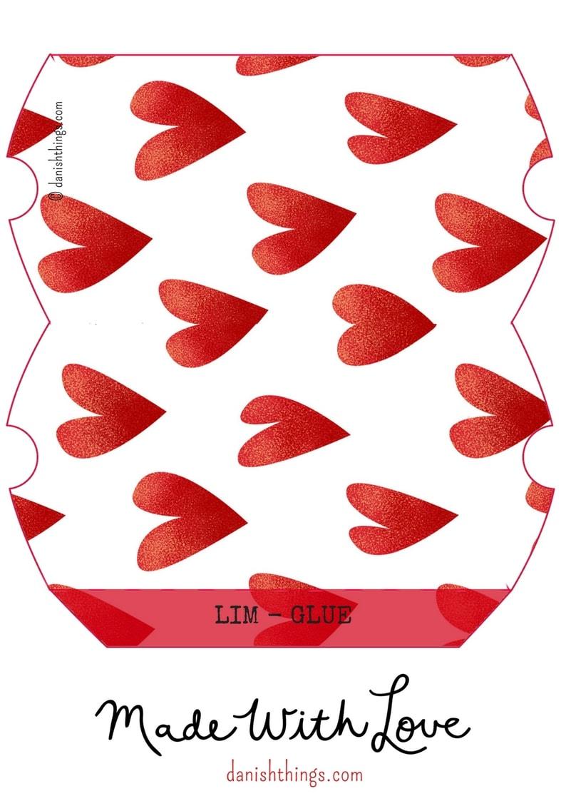 """Gaveæsker til kærlighedsgaver. """"Love is in the air"""". Giv Valentines gaveæsker til én du elsker, brug dem til bryllup og andre lejligheder fulde af kærlighed. Gratis print: gaveæsker, kort og plakater. Lav selv æsker til Valentine og festlige lejligheder, se hvordan og find opskrifter og mere inspiration på danishthings.com."""