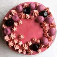 Hindbær-brombær lagkage - superlækker lagkage med mousse af hindbær og brombær