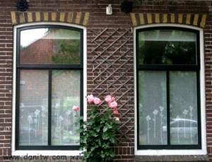 302 חלונות, הולנד