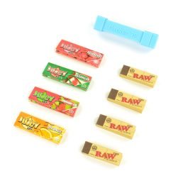 Juicy Jay's Flavoured Rolling Papers 1 1/4 Mega Taste Bundle with Rolling Papers, Tips and Dank Paper 1 1/4 Cigarette Size Cannagar Packer Rolling Machine Set – Random Flavours