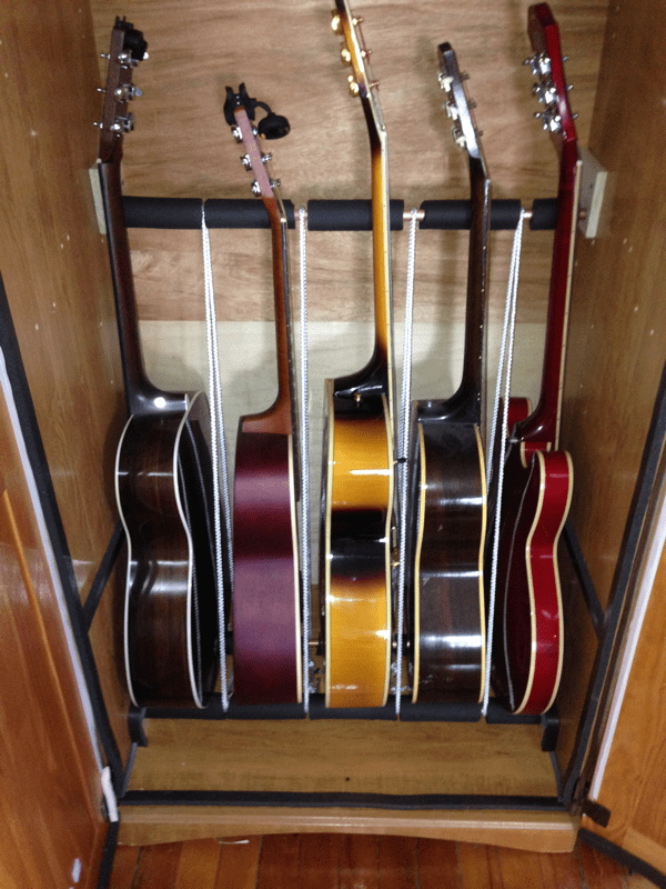 How to build an Inexpensive Humidified Guitar Cabinet
