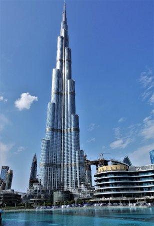 世界一高いビル ブルジュ・ハリファ