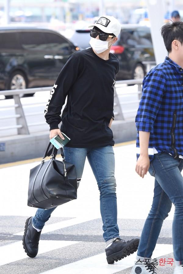 BTS 空港 ファッション ジミン