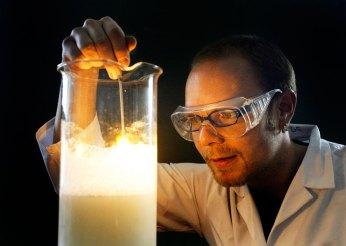 chemie-experiment-universitaet-rostock-danny-gohlke-fotograf