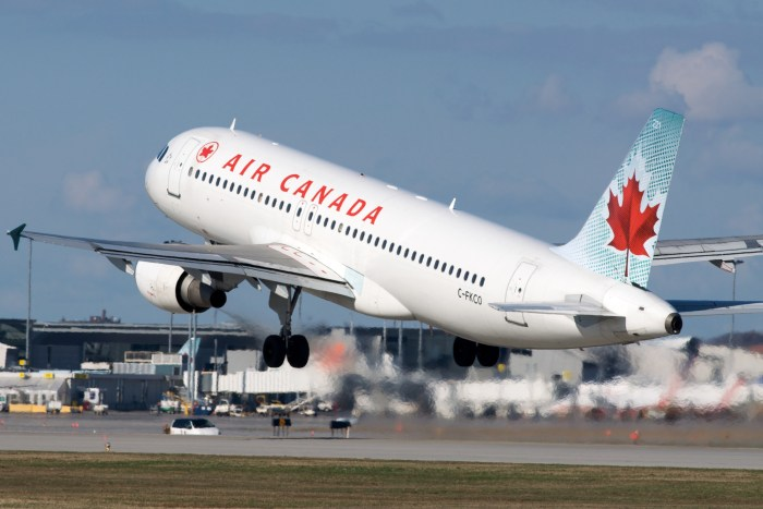 Air Canada and WestJet Temporarily Suspend Flights to U.S.