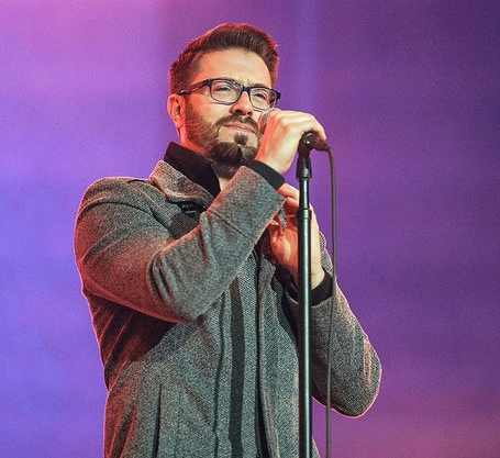 Billboard Danny Gokey performing