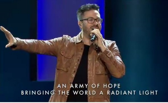Danny Gokey performing RISE at Saddleback Church