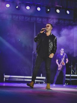 danny Gokey performing at the Big Ticket Festival, photo by SAPProducitons