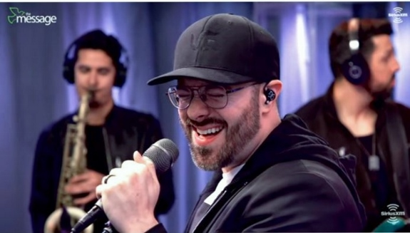 Danny Gokey Band performs in Sirius XM Studio