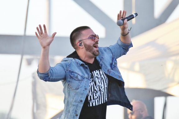 Danny Gokey sings at lifest photo by Troy W.L