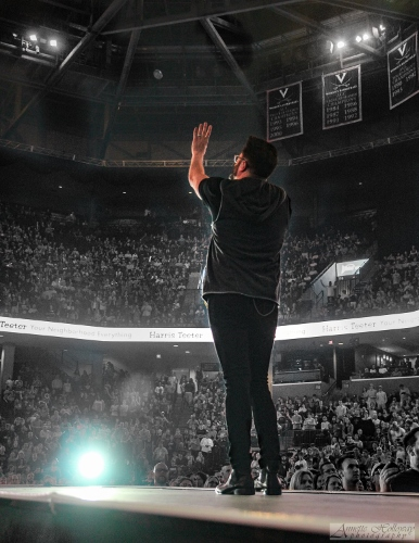 Danny Gokey performs at the Rock & Worship Roadshow 2016