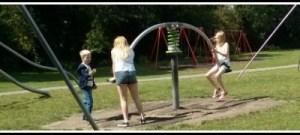 Kids-in-park-header-420×180-400×180