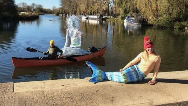 Lindsey Cole is swimming part of the River Thames to raise awareness of single-use plastic