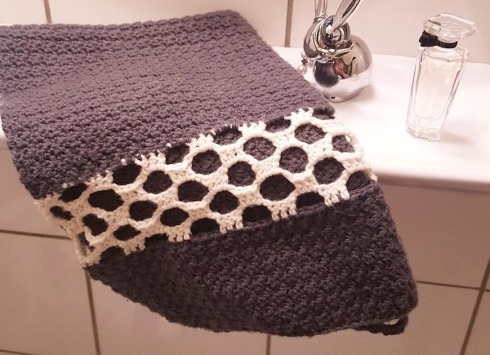 hæklet håndklæde med hulmønster
