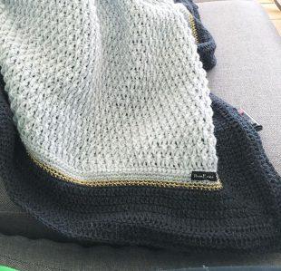 Hæklet relief tæppe