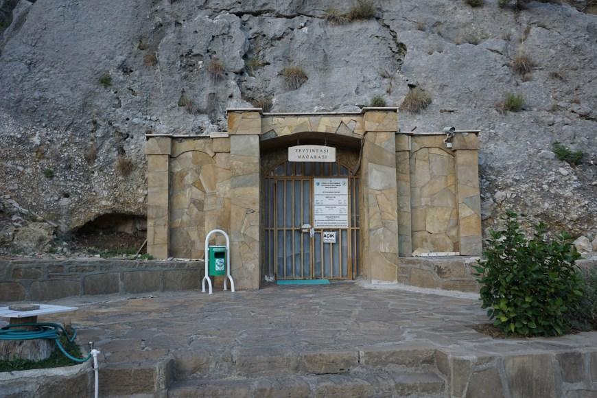 Zeytintaşı Mağarası