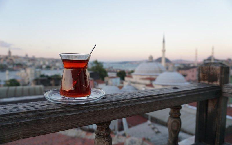Tyrkisk te, sådan laver du tyrkisk te, tyrkisk te opskrift, tyrkisk tekande, varme tyrkiske drikker, hvordan laver man tyrkisk te, hvordan laver man cay, tyrkiske opskrifter, tyrkiske drikke, alanya blog, alanya blogger, tyrkiet blog, tyrkiet madblogger, dansk i tyrkiet