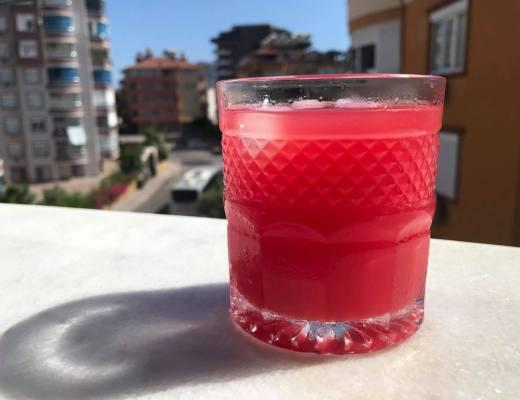 sukkerfri vandmelon lemonade, lemonade med vandmelon, nem lemonade, tyrkiske drikke, nem sommerdrik med vandmelon, opskrifter med vandmelon, vandmelon opskrifter, tyrkiske opskrifter, tyrkiske drikke, dansk i tyrkiet, alanya madblogger
