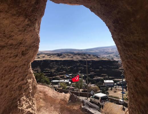 tatlarin underjordisk by i kappadokien, underjordiske byer i kappadoken, underjordiske byer i cappadocia, oplevelser i cappadocia, oplevelser i kappadokien, seværdigheder i kappadokien, seværdighed