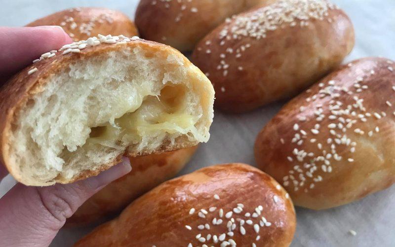 tyrkiske boller med ost opskirft, pogaca opskrift, tyrkiske osteboller opskrift, tyrkisk bagværk, tyrkiske opskrifter, tyrkiske madopskrifter, tyrkisk morgenmad, nemme osteboller