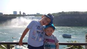Tony et Hank aux chutes Niagara   danslapoche.ca