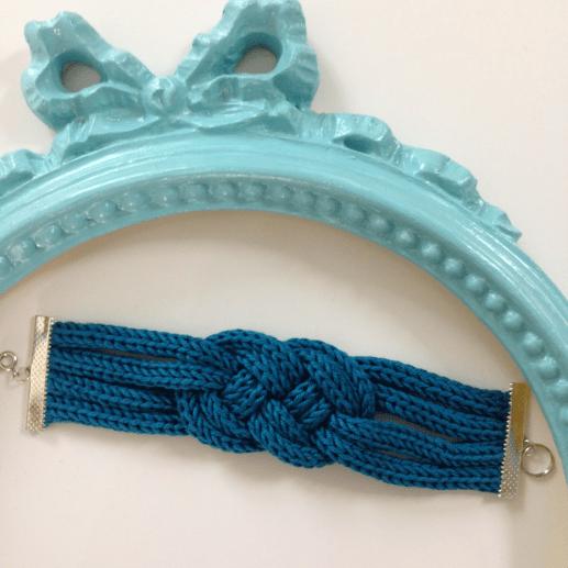 Bracelet tricotin10