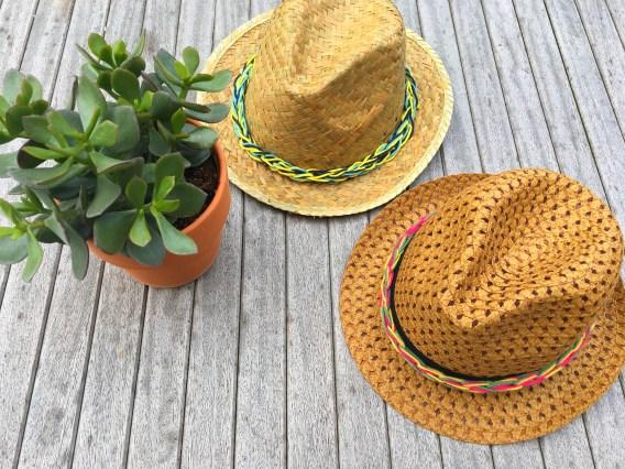 Entourer un chapeau à l'aide d'une lucette