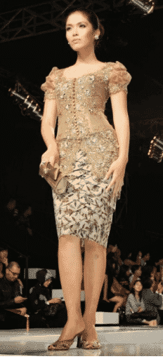 Setelan Kebaya  rok pendek batik untuk pesta pernikahan