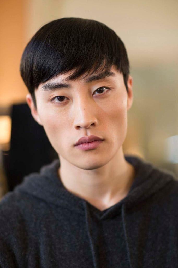 13 Gaya Rambut Pria ala Artis Korea Terbaru, Terpopuler ...