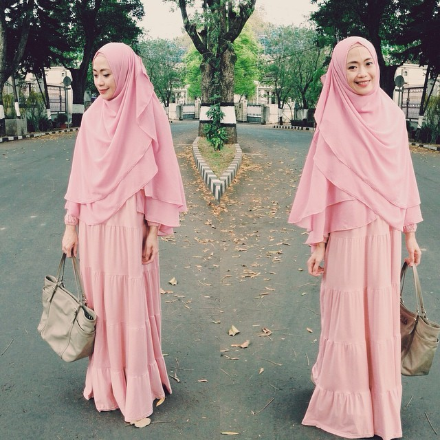 Syari Ruffle dress pink