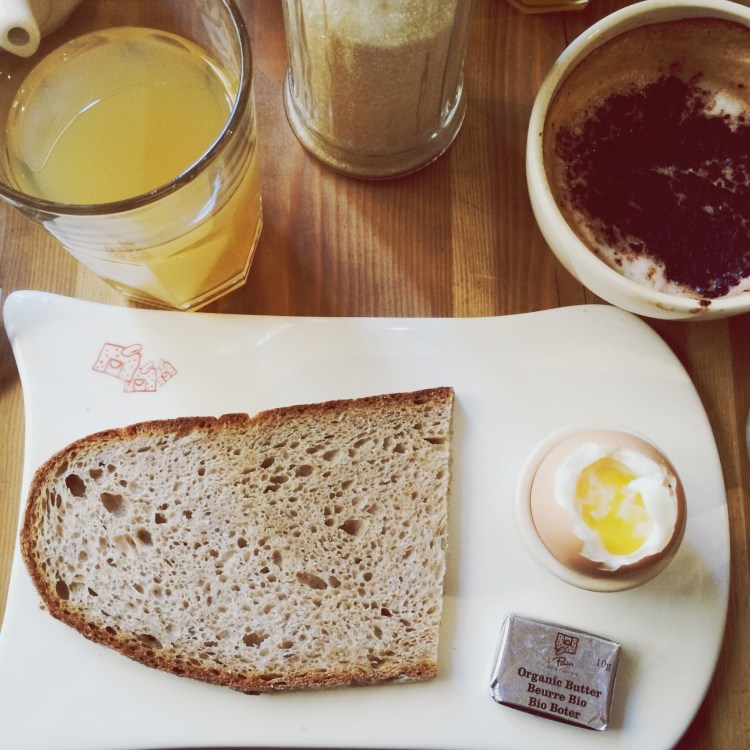 Le Pain Quotidien Brunch Paris oeuf à la coque