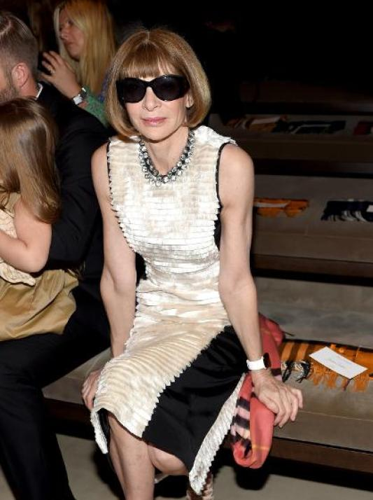 Anna Wintour wearing Apple Watch