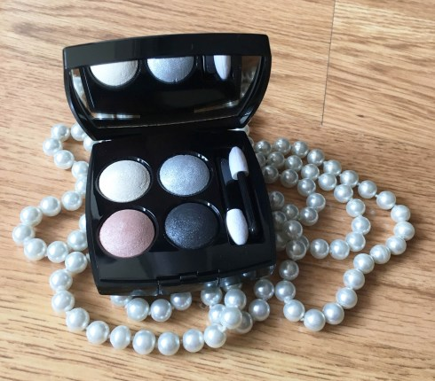 Les sautoirs de Coco Chanel perles palette 4 fards Tissé Ombre de Lune