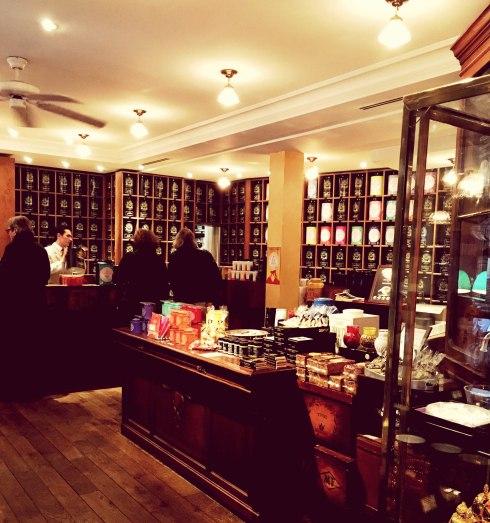 Restaurant Mariage Frères Faubourg Saint Honoré Cuisine au thé Comptoir à thé