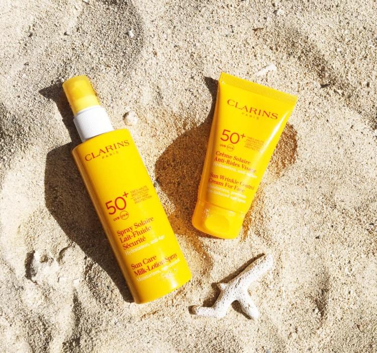 Clarins crème solaire antirides visage et spray solaire lait fluide sécurité avis blog solaires SPF 50