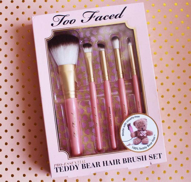 Set de pinceaux Absolute Essentials Teddy Bear Hair Too Faced avis blog