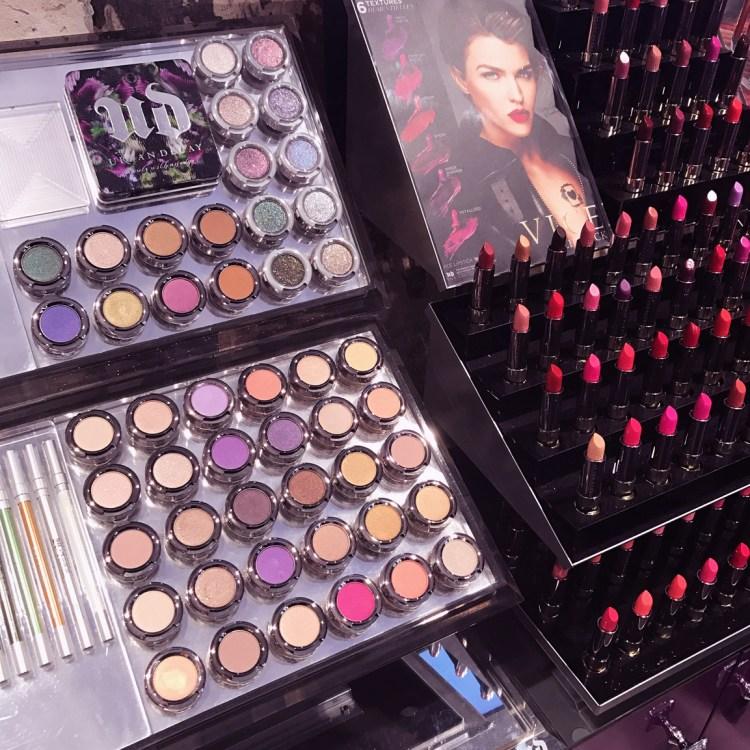 Urban Decay Boutique Paris France 48 rue des francs bourgeois 75003 ouverture avis blog Ruby Rose égérie Vice Lipstick