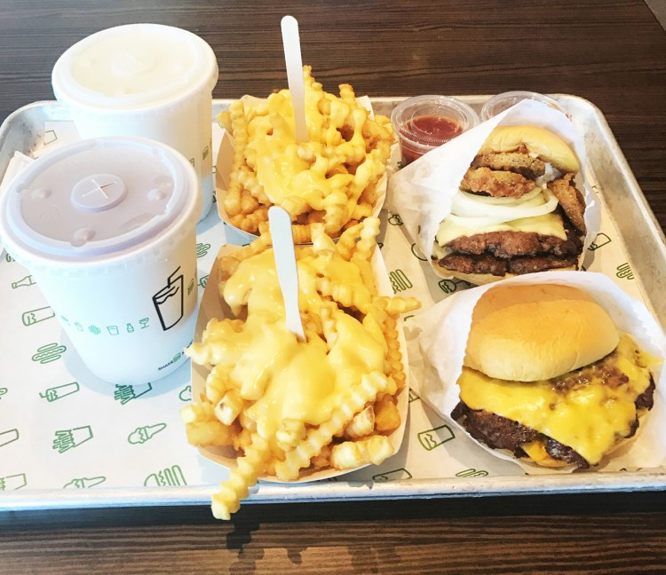 Shake Shack Burgers Abu Dhabi Dubaï Londres New York avis blog