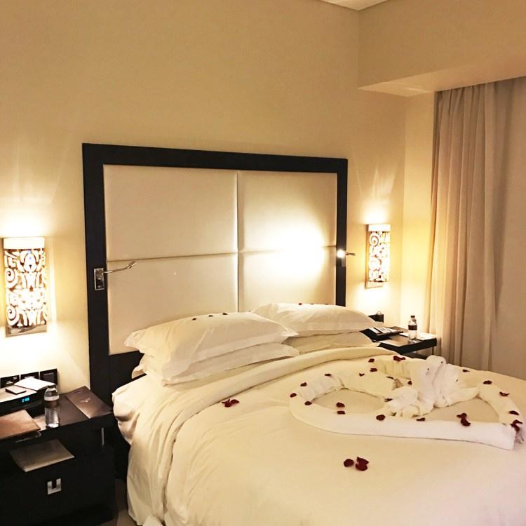 hôtel de luxe 5 étoiles Sofitel Corniche à Abu Dhabi chambre avis blog photo