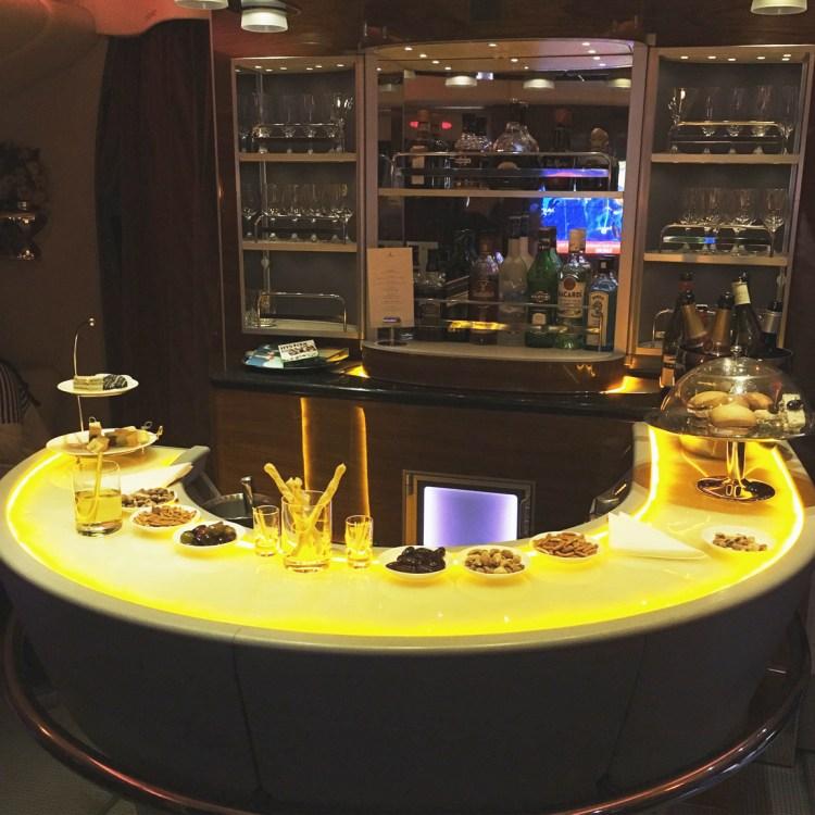 voyage en Business Emirates mon avis la classe affaire A380 bar dans les airs blog