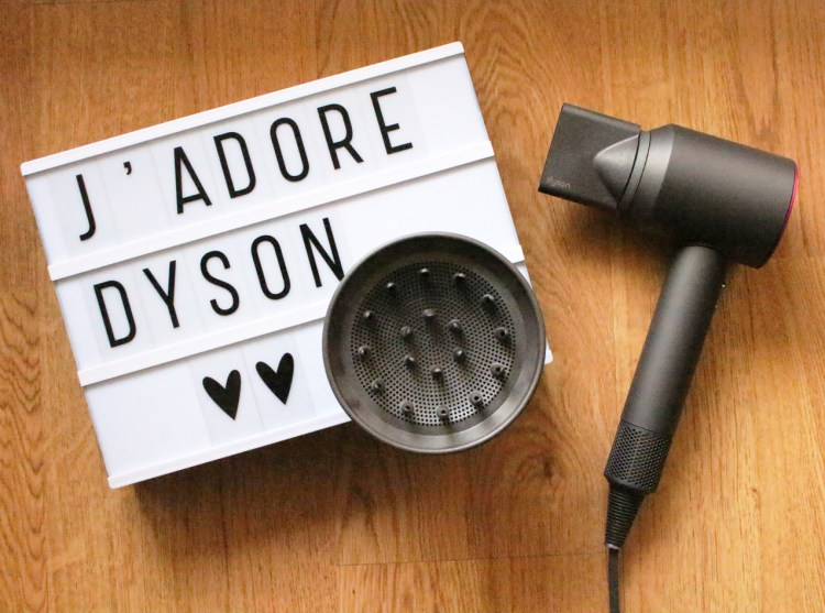avis sèche-cheveux Supersonic Dyson blog dans mon sac de fille