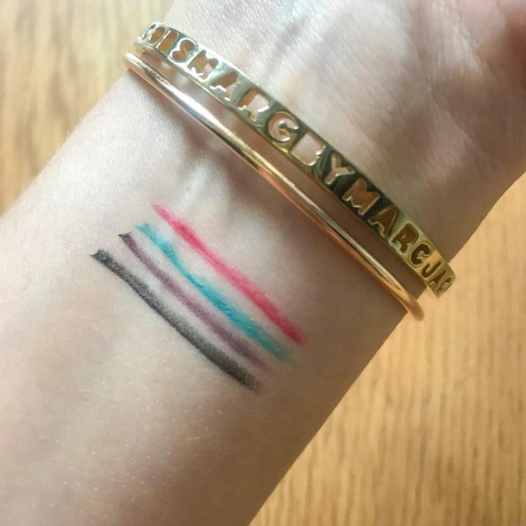 La jolie collection maquillage Hâle d'été 2018 de Clarins stylo 4 couleurs swatch photo avis blog swatch photo
